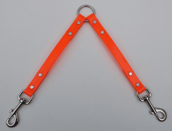 A leash splitter